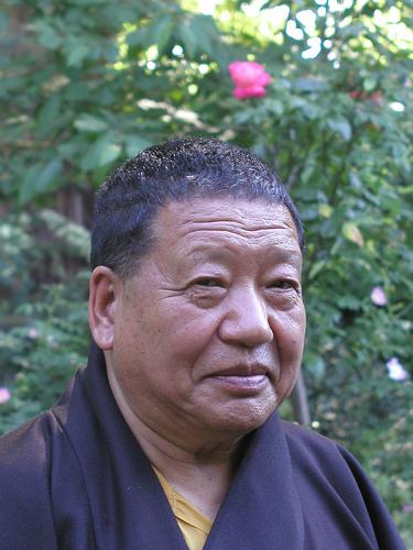 akong-rinpoche-2006.jpg